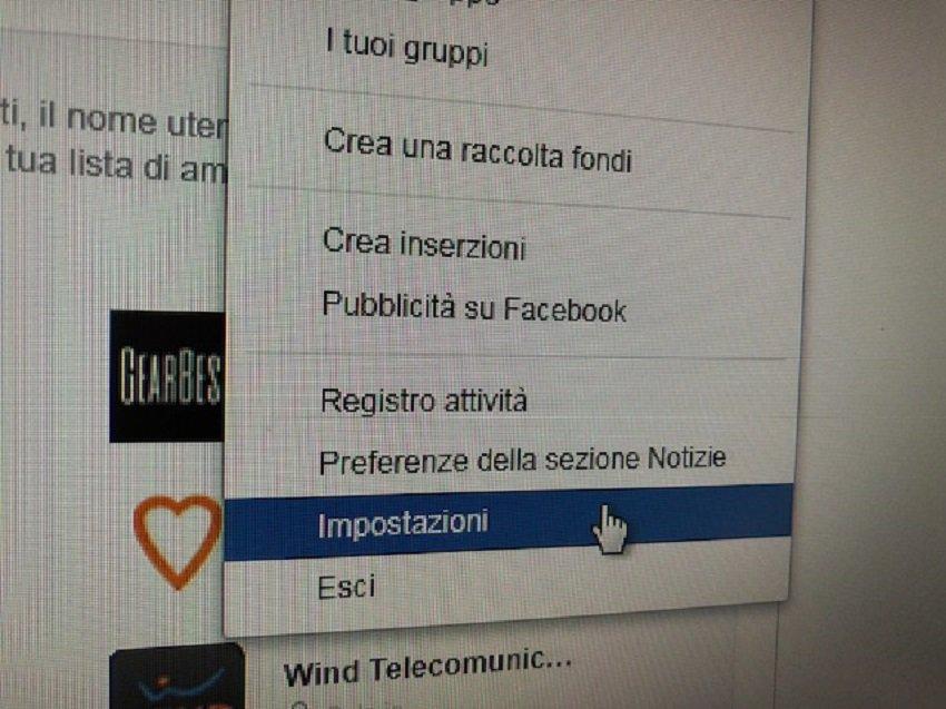 Facebook: come controllare quali app spiano i profili