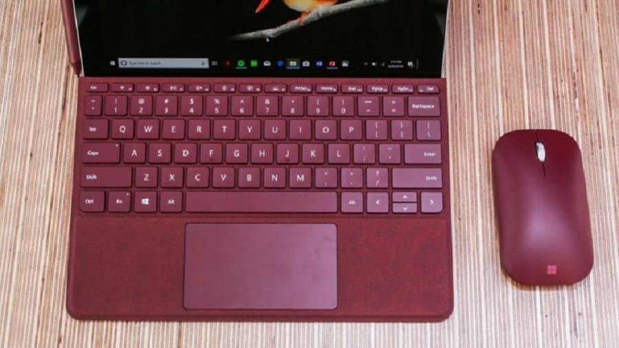 Microsoft presenta il tablet Surface Go