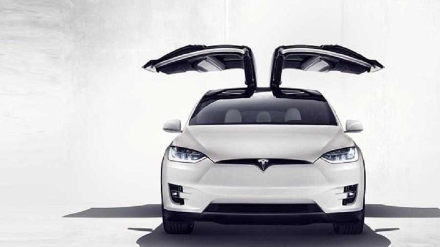 Tesla Model X: caratteristiche e prezzi