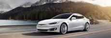 Tesla Model S: fotografie e caratteristiche